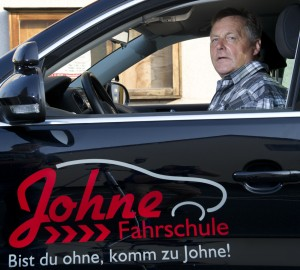 Christian Johne Fahrlehrer aller Klassen seit 1976 Ausbildungsfahrlehrer  Seminarleiter für ASF/ASP 0172 – 51 24 887